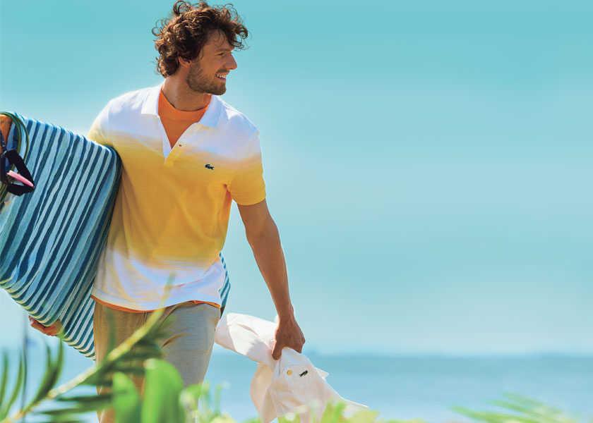 〈ラコステ〉の新作で、ひと味違う大人のカジュアルに!重ねて遊べる1枚ならポロシャツ姿はもっと新鮮!
