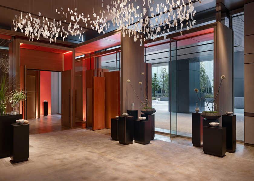 仕事も遊びもデキる男に 〈フォーシーズンズホテル東京大手町〉が似合う理由。