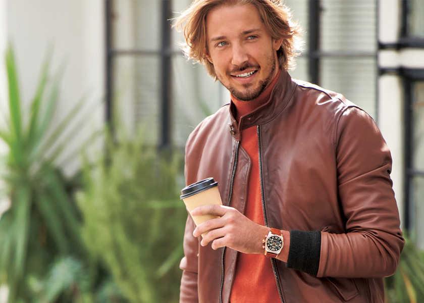 〈 I.T.A.〉の新作ならいつものデート服が華やかに!立体顔の腕時計で手元から印象づける!