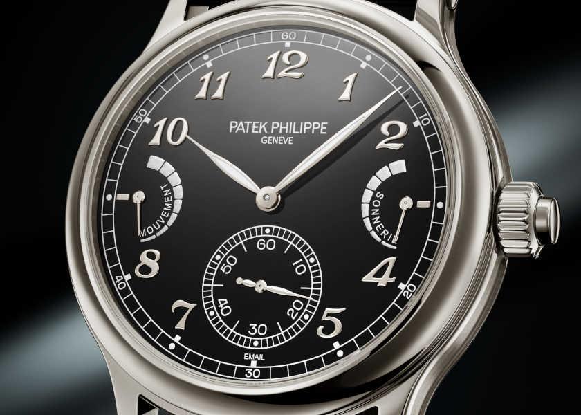 〈パテック フィリップ〉新作黒時計は音で時を知らせるチャイム機構が自慢!