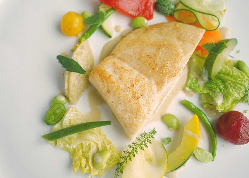"""カラダが喜ぶヘルシー料理! 〈エスト〉""""日本の食材×フレンチ""""が極上の美味しさ!"""