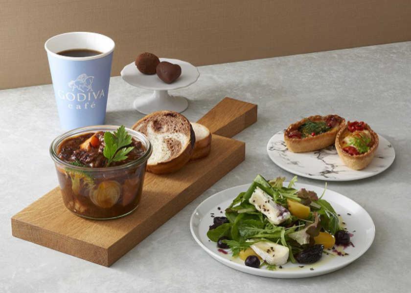 カラダが喜ぶヘルシー料理! 〈ゴディバ カフェ トーキョー〉テイクアウト可能! カカオポリフェノールで冬もヘルシー!
