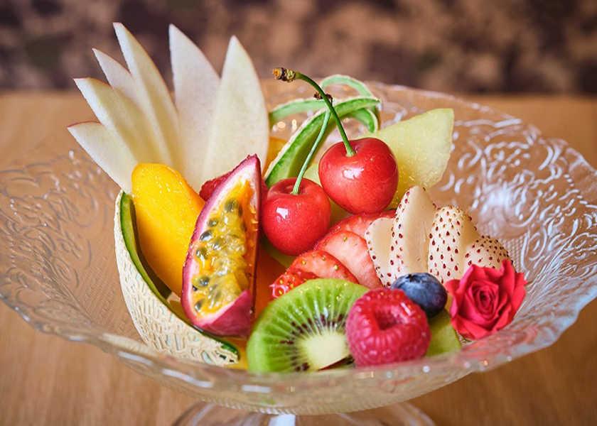 カラダが喜ぶヘルシー料理! 〈水信フルーツパーラー〉極上デート空間でビタミン&エナジーチャージ!