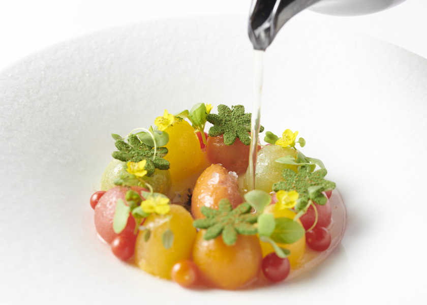 """〈アルマーニ/リストランテ〉が挑戦した、美しき""""フードロス食材""""7皿をご覧あれ!"""