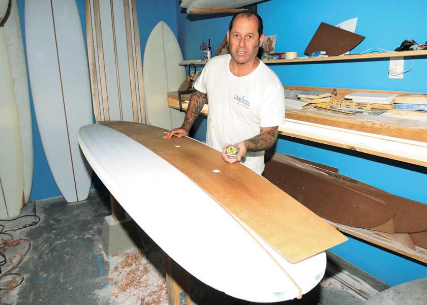 今、カリフォルニアで注目される新世代サーファーの「波乗り一代記」 vol.28地元の新世代を導くレジェンドシェイパー!