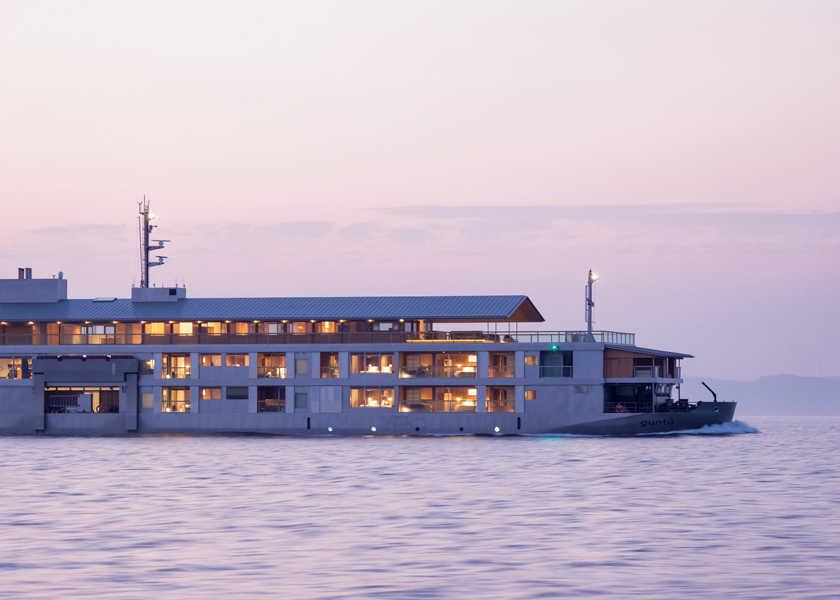 """【短期集中連載】夏の""""逃避旅""""は贅沢な個性派リゾートへ! Resort 02:船スモールラグジュアリーなクルーズシップで開放感を!"""