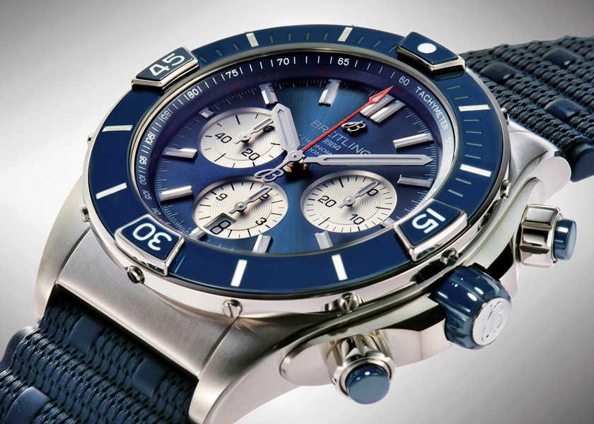 FOCUS ON 今月注目したいモノ・コト〈ブライトリング〉アクティブに遊ぶ大人のための理想の腕時計!