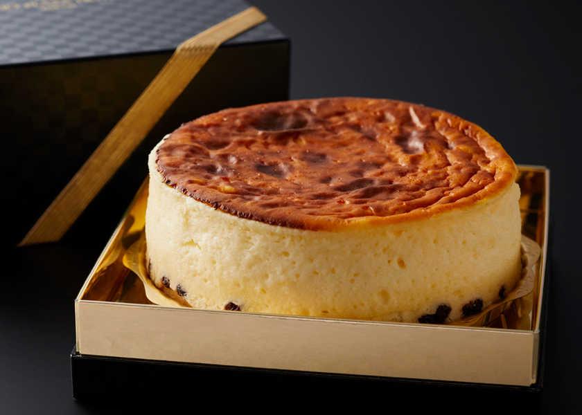 ホテルの名物メニューを彼女と♡ドイツ風のチーズケーキって知ってる?
