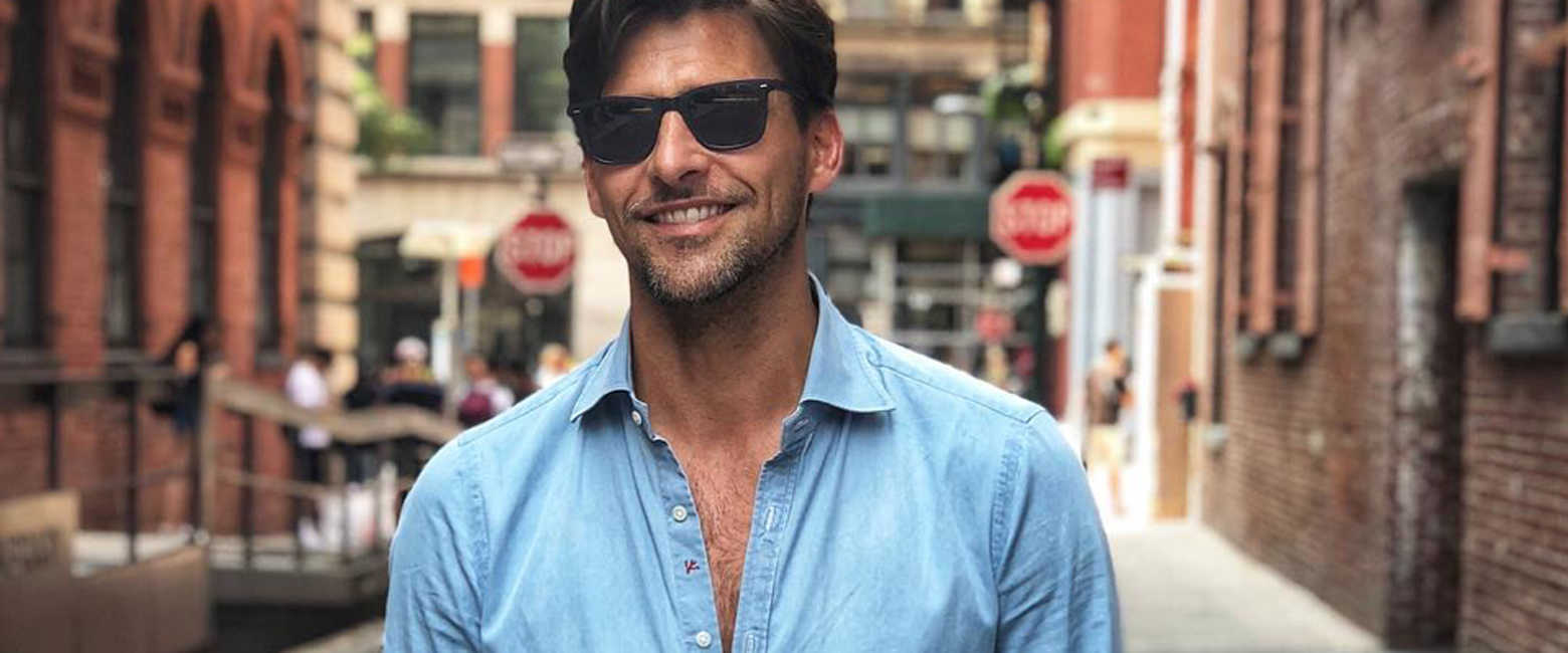 """世界的トップモデルに習う、""""ブルーシャツ""""の上手な着こなし方!"""