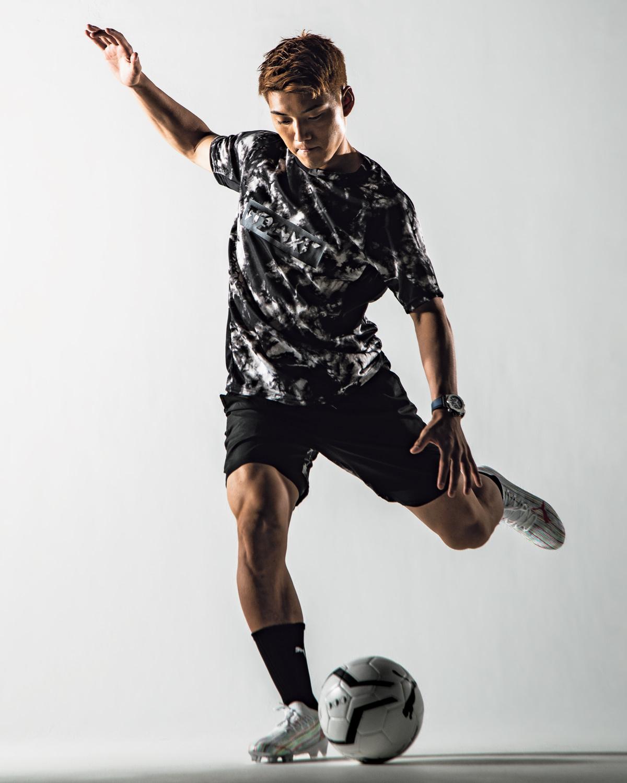 【堂安 律】のサッカー哲学はファッションにも通じる!? いつでも自分らしく強気に攻める!