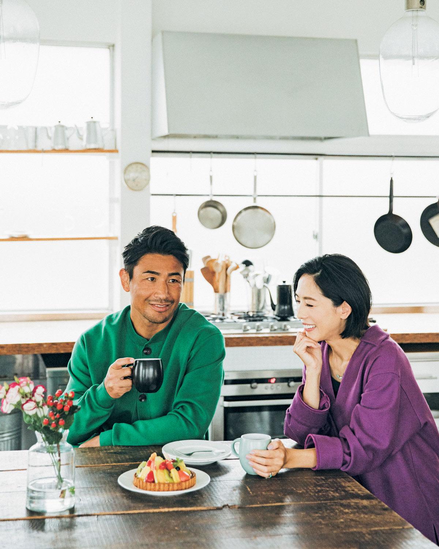 【魔裟斗・矢沢 心夫妻】もともと家での時間は長く、会話の多い生活スタイル。