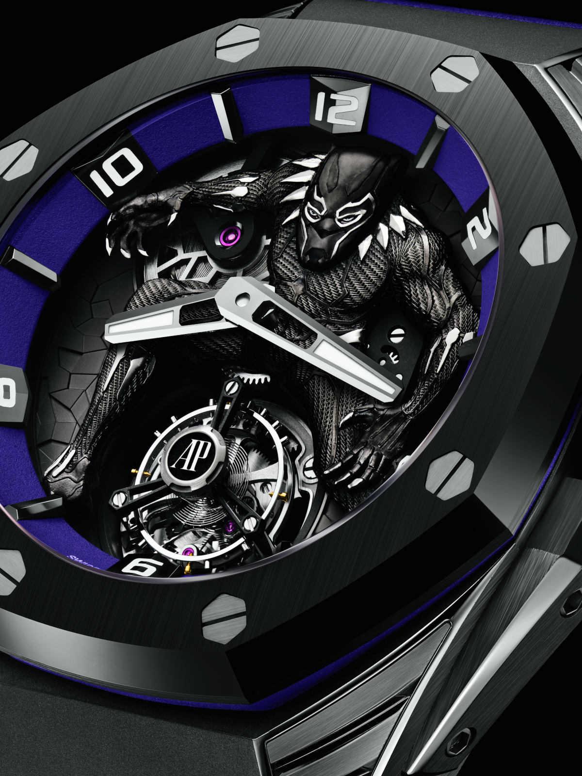 """〈オーデマ ピゲ〉דマーベル""""のコラボ時計! 文字盤で躍動するブラックパンサーにうっとり!"""