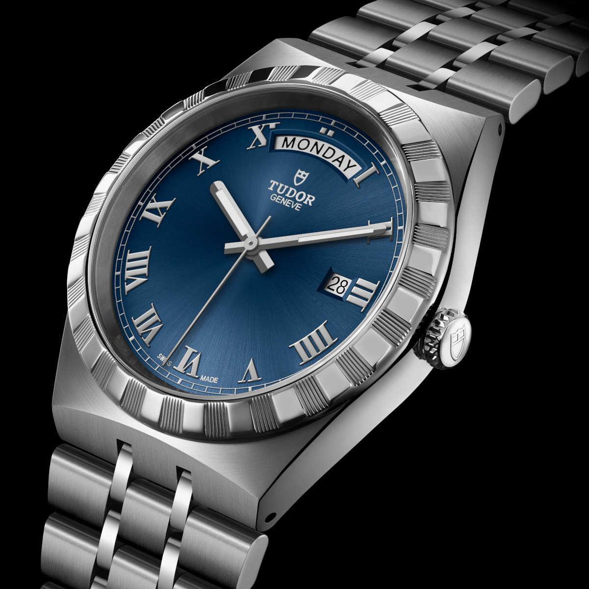 〈チューダー〉の新作は  気品を纏った大人のスポラグ時計!