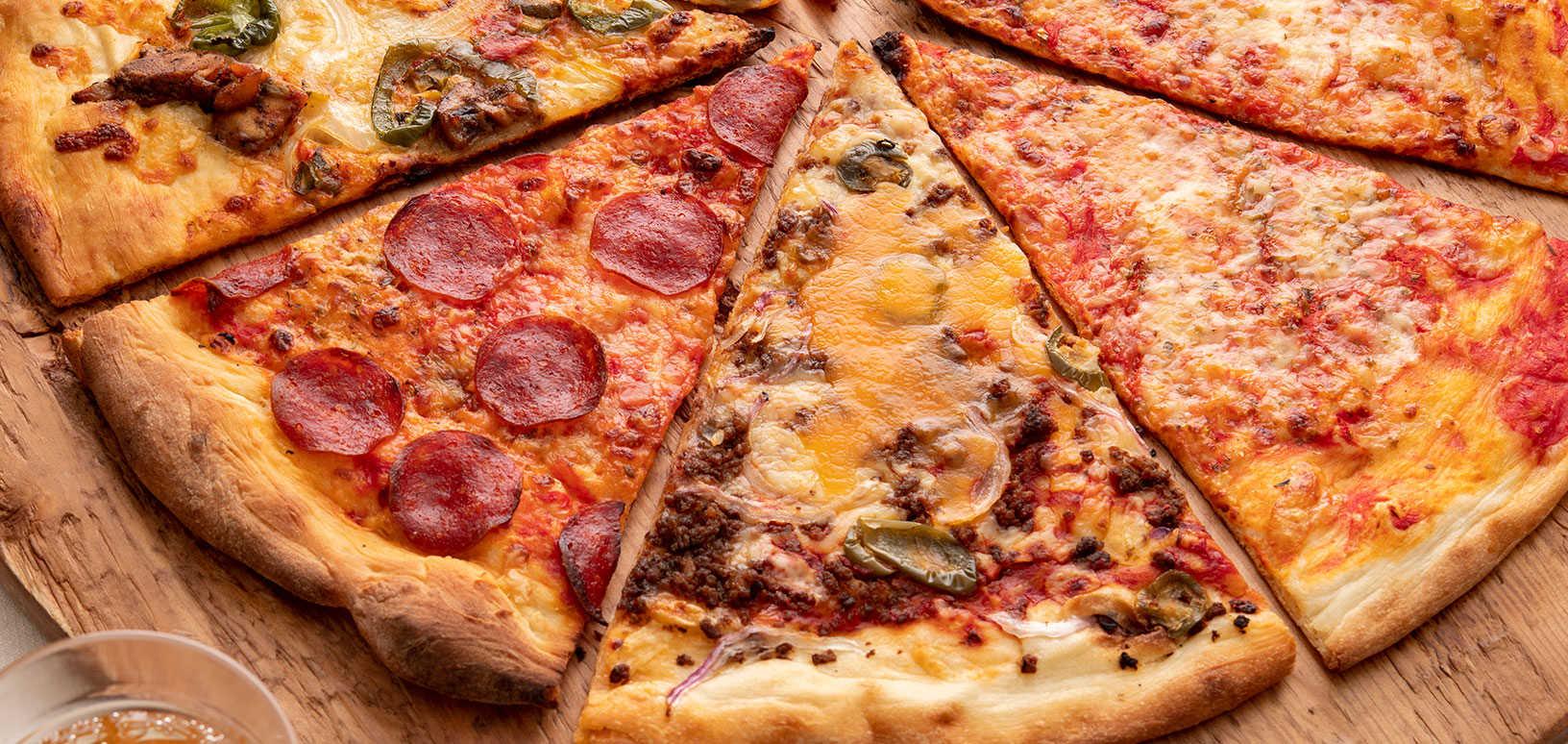 まるで映画のワンシーンのよう!? NYスタイルのピザをご紹介!