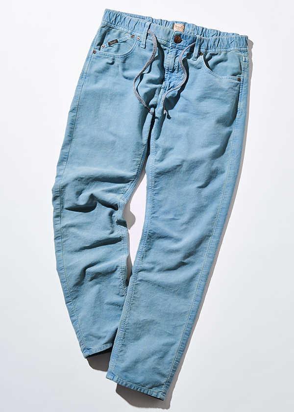快適志向な大人に必須な〈ヤヌーク〉別注の爽やか美脚パンツ!
