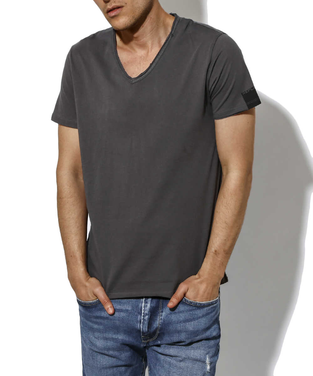 ジャージーVネックTシャツ