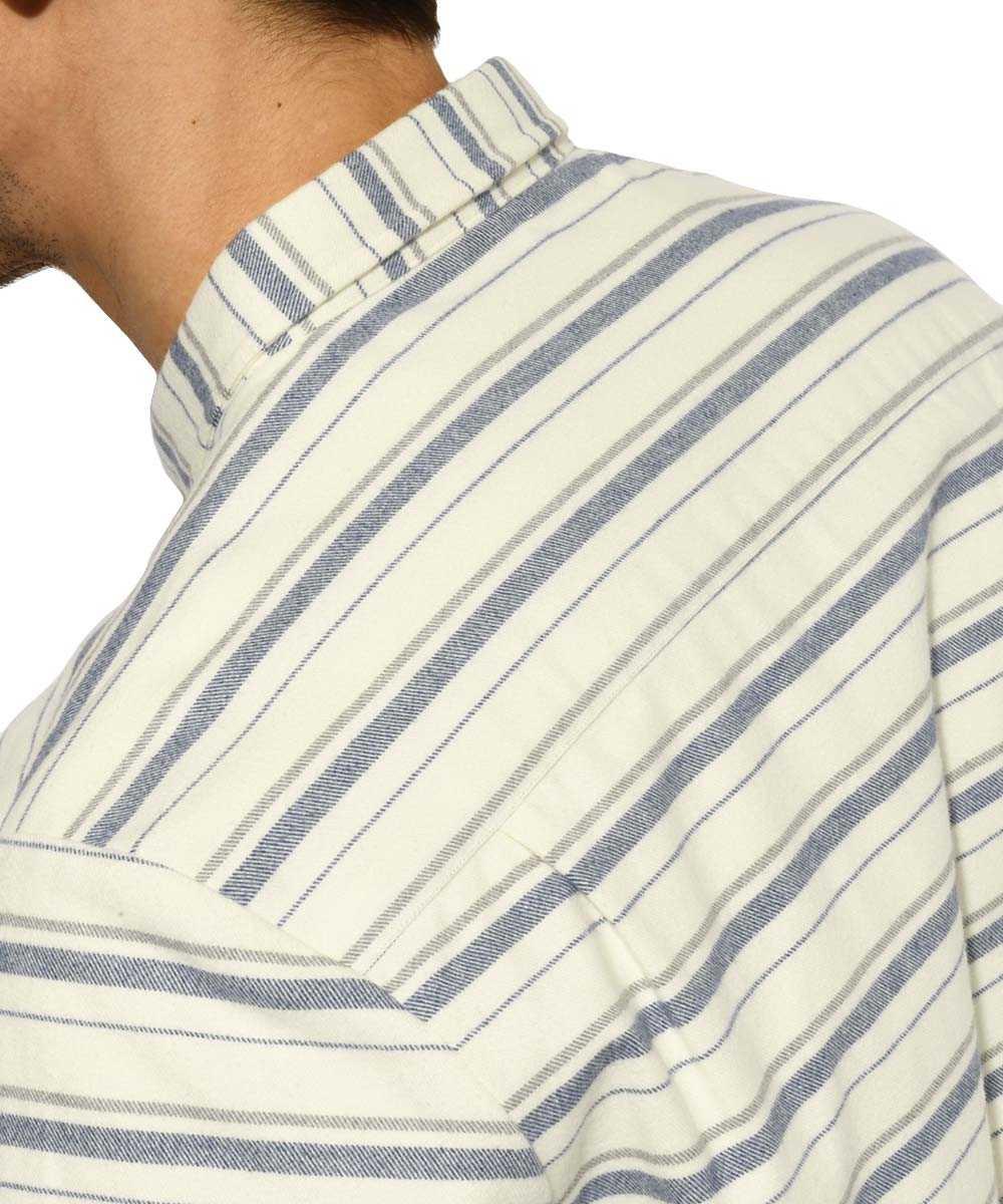 ボーダーボタンダウンシャツ
