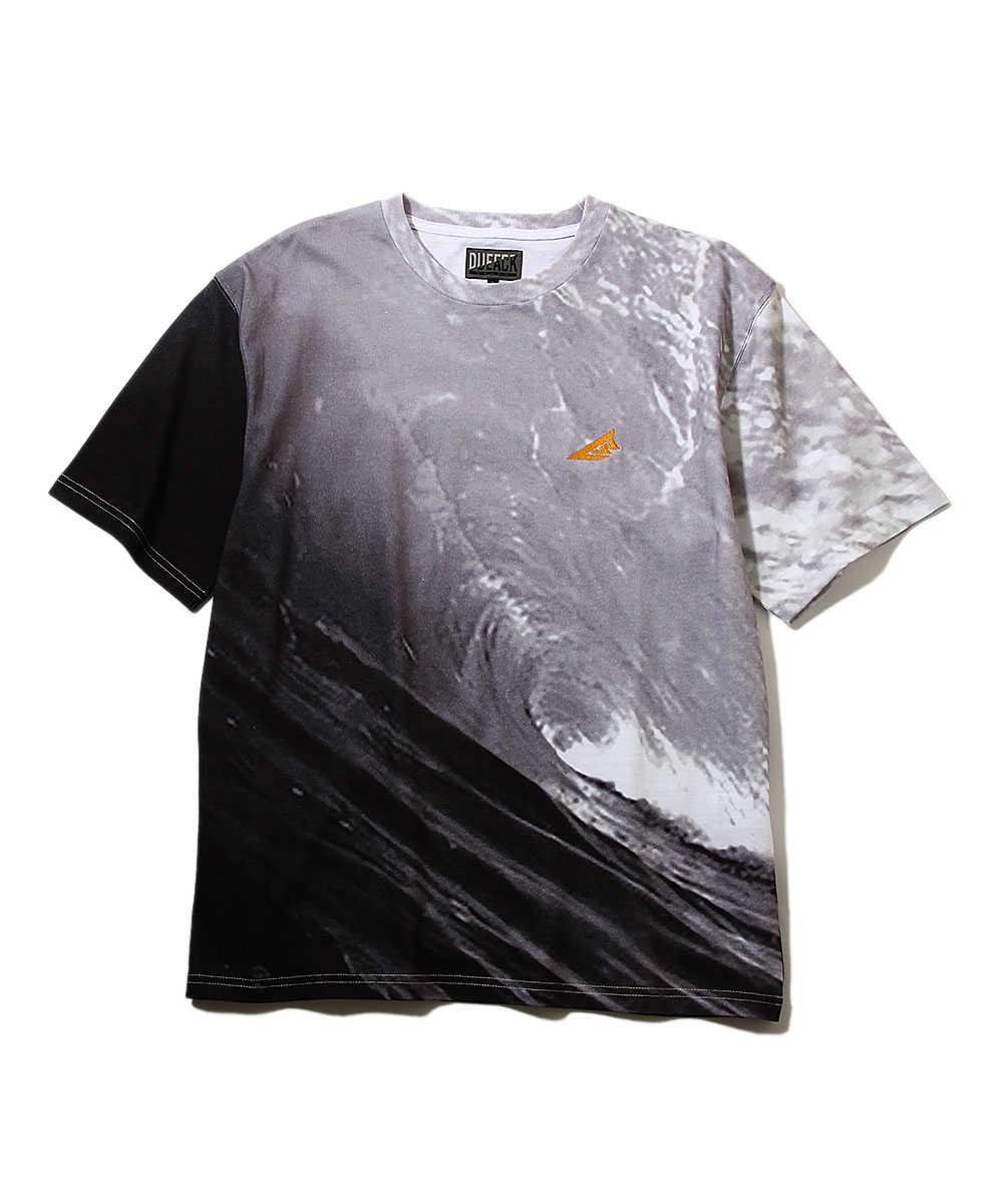 【ブラックレーベル】フォトプリントクルーネックTシャツ