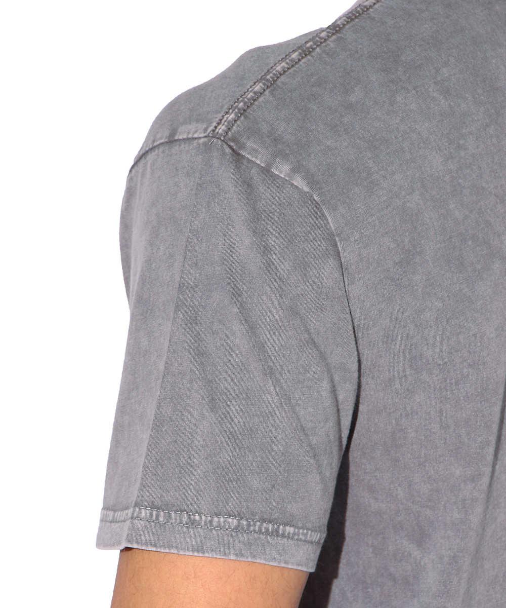 フロントロゴデザインクルーネックTシャツ