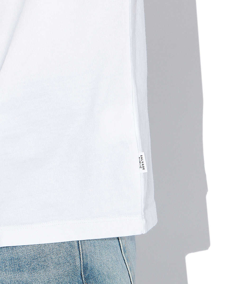 アシンメトリーロゴクルーネックTシャツ