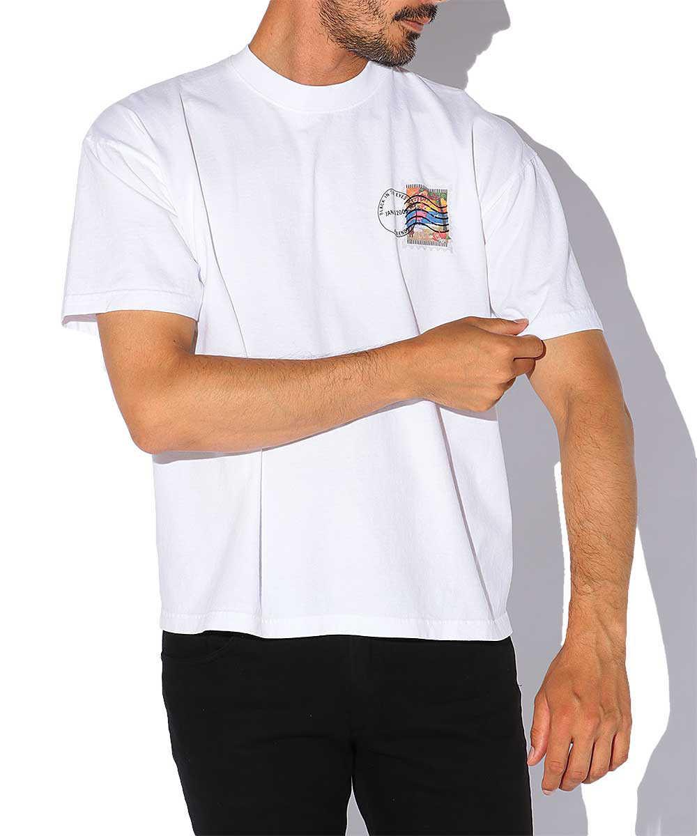 製品染めスタンププリントクルーネックTシャツ